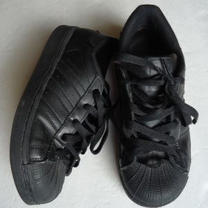 SIZE 3 Kids Adidas Superstars leather sneakers .
